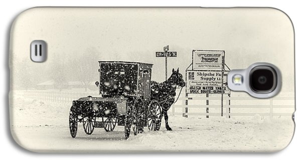 Amish Photographs Galaxy S4 Cases - Amish Buggy in Snow Storm Galaxy S4 Case by David Arment