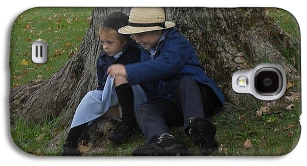 Amish Photographs Galaxy S4 Cases - Amish Kids Galaxy S4 Case by R A W M