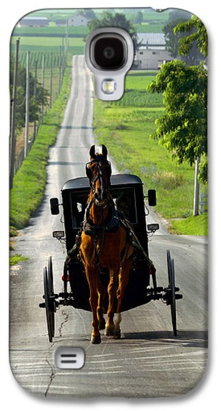 Amish Photographs Galaxy S4 Cases - Amish Morning Commute Galaxy S4 Case by Lawrence Boothby