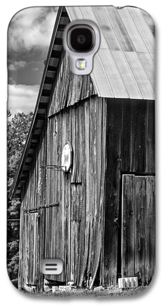 Landscape Metal Prints Galaxy S4 Cases - An American Barn bw Galaxy S4 Case by Steve Harrington
