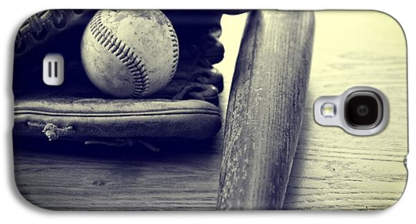 Sports Photographs Galaxy S4 Cases - An American Pastime Galaxy S4 Case by Dan Sproul