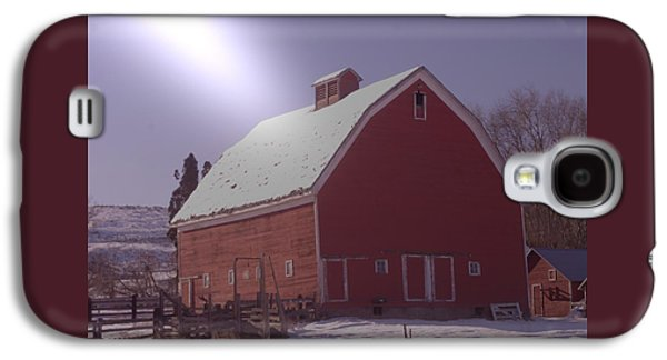 Cowboy Life Photographs Galaxy S4 Cases - An Old Red Barn  Galaxy S4 Case by Jeff  Swan