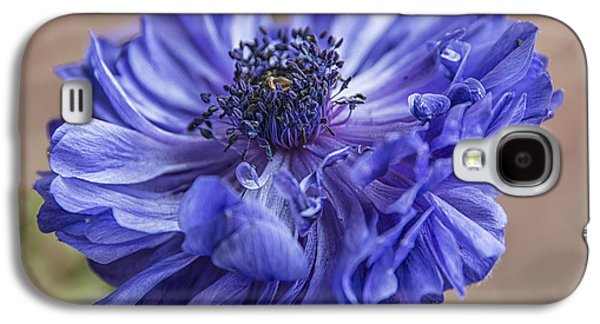 Fantasy Photographs Galaxy S4 Cases - Anemone Blues I Galaxy S4 Case by Terry Rowe