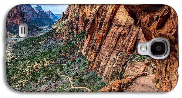 Overhang Photographs Galaxy S4 Cases - Angels Landing Trail from High Above Zion Canyon Floor Galaxy S4 Case by Gary Whitton