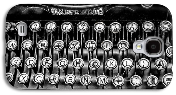 Typewriter Keys Photographs Galaxy S4 Cases - Antique Keyboard - BW Galaxy S4 Case by Christopher Holmes