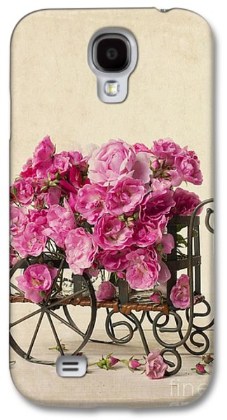 Wagon Photographs Galaxy S4 Cases - Antique Rose Cart Galaxy S4 Case by Edward Fielding