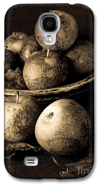 Apple Still Life Black And White Galaxy S4 Case by Edward Fielding