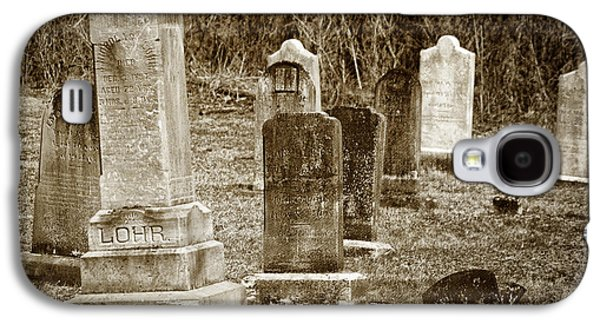 Headstones Galaxy S4 Cases - Apples Church Cemetery Galaxy S4 Case by Joan Carroll
