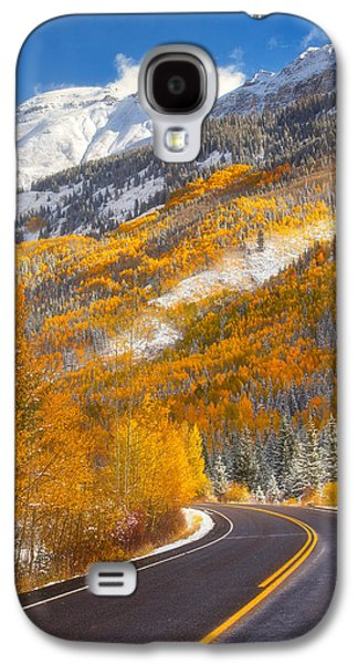 Landscape Acrylic Prints Galaxy S4 Cases - Aspen Highway Galaxy S4 Case by Darren  White