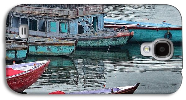 Transportation Photographs Galaxy S4 Cases - At the Docks II - Varanasi India Galaxy S4 Case by Kim Bemis