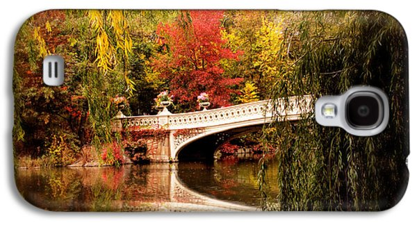 Autumn At Bow Bridge Galaxy S4 Case by Jessica Jenney