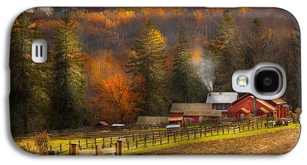 Autumn - Barn - The End Of A Season Galaxy S4 Case by Mike Savad