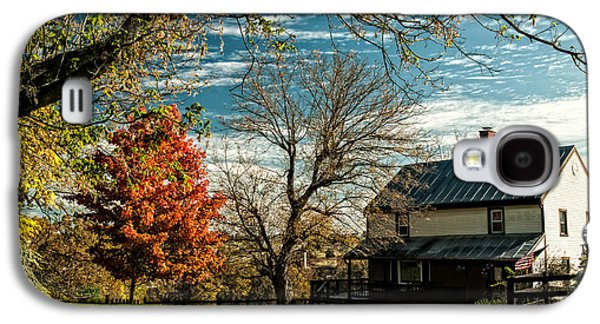 Autumn In The Country Galaxy S4 Cases - Autumn Farm House Galaxy S4 Case by Lara Ellis