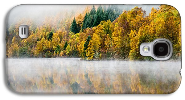 Autumn Landscape Photographs Galaxy S4 Cases - Autumn Mist Galaxy S4 Case by Dave Bowman