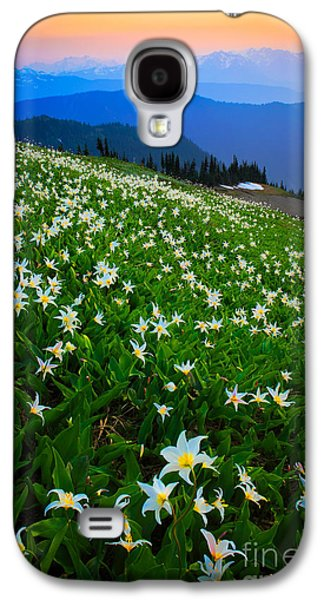 North America Photographs Galaxy S4 Cases - Avalanche Lily Field Galaxy S4 Case by Inge Johnsson