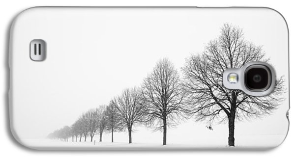 Deutschland Galaxy S4 Cases - Avenue with row of trees in winter Galaxy S4 Case by Matthias Hauser