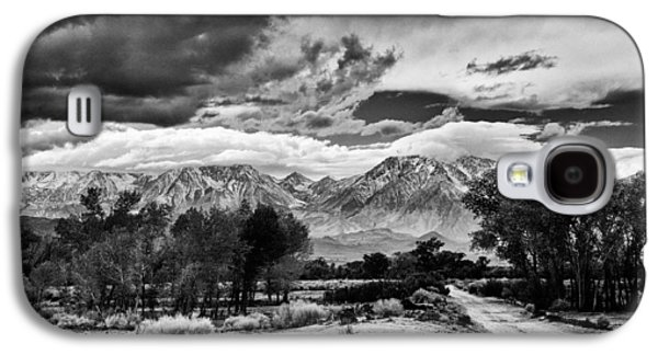 Hills Galaxy S4 Cases - Backroads of Bishop Galaxy S4 Case by Cat Connor