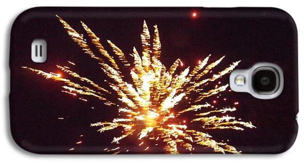 4th July Galaxy S4 Cases - Backyard Fireworks Galaxy S4 Case by Jennifer Bowring