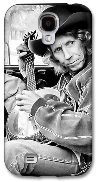 Candid Photographs Galaxy S4 Cases - Banjo Man Galaxy S4 Case by Darryl Dalton