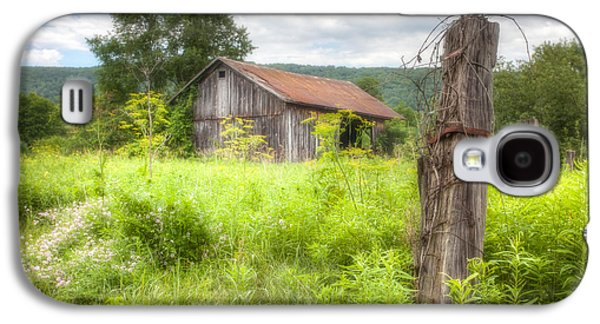 Red Roofed Barn Galaxy S4 Cases - Old barn near Stryker Rd. Rustic Landscape Galaxy S4 Case by Gary Heller