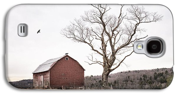 Quiet Time Photographs Galaxy S4 Cases - barn and tree - New York State Galaxy S4 Case by Gary Heller