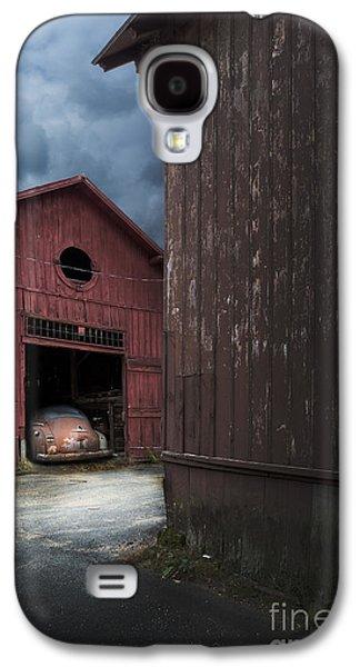 Barn Find Galaxy S4 Case by Edward Fielding