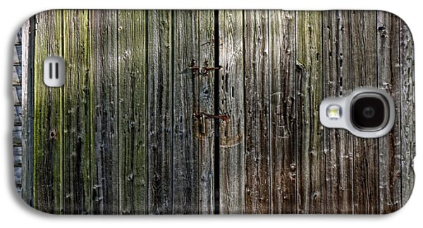 Wooden Door Galaxy S4 Cases - Barndoors  Galaxy S4 Case by Olivier Le Queinec