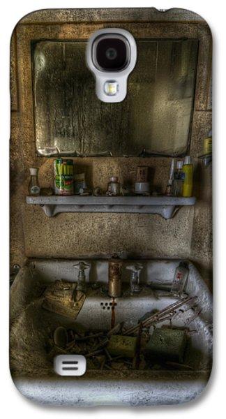 Creepy Digital Art Galaxy S4 Cases - Bathroom sink Galaxy S4 Case by Nathan Wright