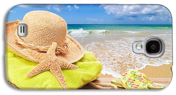 Beach Bag With Sun Hat Galaxy S4 Case by Amanda And Christopher Elwell