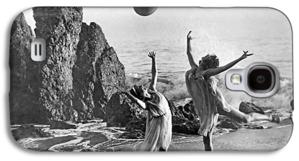 Beach Ball Dancing Galaxy S4 Case by Underwood Archives