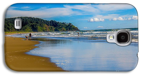 Haybale Galaxy S4 Cases - Beach Fun  Galaxy S4 Case by Robert Bales