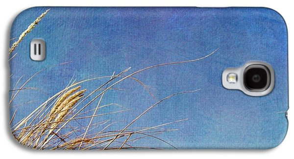Seacape Galaxy S4 Cases - Beach Grass in the Wind Galaxy S4 Case by Michelle Calkins