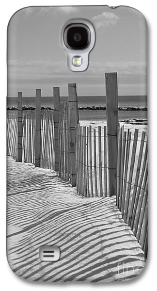 Catherine White Galaxy S4 Cases - Beach Snow  Galaxy S4 Case by Catherine Reusch  Daley