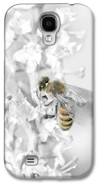 Working Mixed Media Galaxy S4 Cases - Bee collecting pollen Galaxy S4 Case by Toppart Sweden
