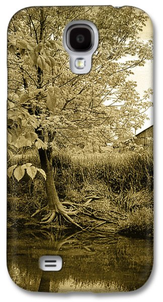 Tree Roots Galaxy S4 Cases - Behind Eds Barn Galaxy S4 Case by Randall Nyhof