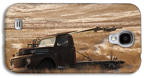 Farm Truck Galaxy S4 Cases - Bereft on the plains Galaxy S4 Case by Jeff  Swan
