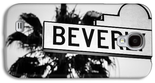 Beverly Boulevard Street Sign In Black An White Galaxy S4 Case by Paul Velgos