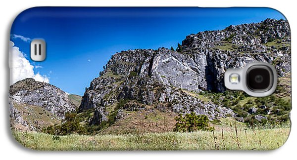 Haybale Galaxy S4 Cases - Big Bar Rock Formations Galaxy S4 Case by Robert Bales