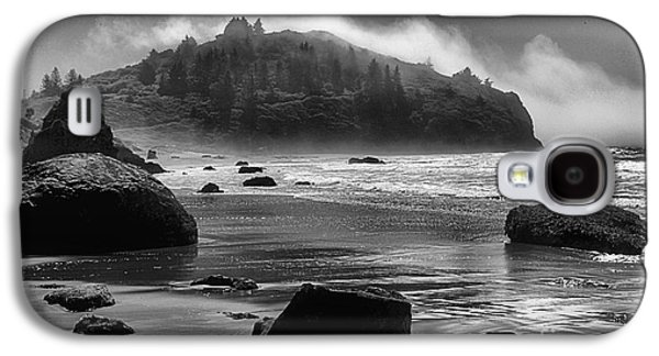 Foggy Beach Galaxy S4 Cases - Black And White At Trinidad Galaxy S4 Case by Adam Jewell