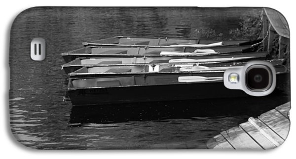 Boats On Water Galaxy S4 Cases - Black And White Boats On Water Galaxy S4 Case by Dan Sproul