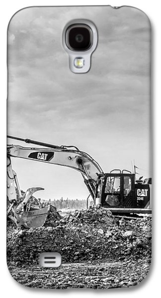 Mining Photos Galaxy S4 Cases - Black and White CAT 324E Galaxy S4 Case by Alanna DPhoto