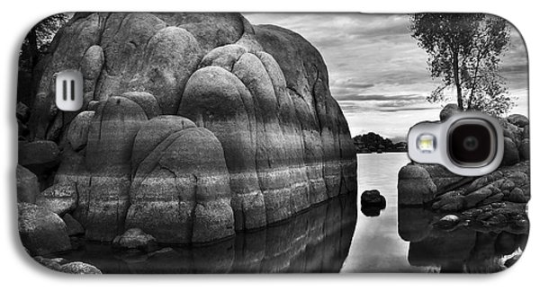 Prescott Photographs Galaxy S4 Cases - Black and White Rocks at Watson Lake near Prescott Arizona Galaxy S4 Case by Dave Dilli