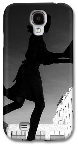 Girl Sculptures Galaxy S4 Cases - Black and White Silhouette of the Second Touch Statue and fountain Galaxy S4 Case by Melissa Coffield