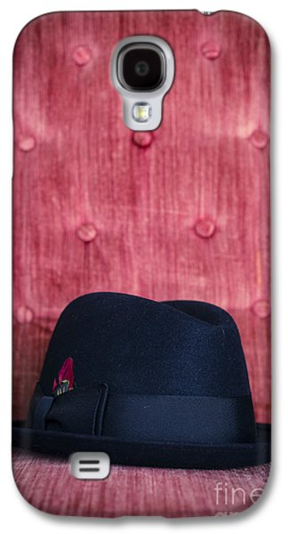 Studio Photographs Galaxy S4 Cases - Black hat on red velvet chair Galaxy S4 Case by Edward Fielding