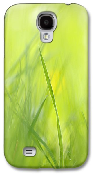 Abstract Nature Galaxy S4 Cases - Blades of grass - green spring meadow - abstract soft blurred Galaxy S4 Case by Matthias Hauser
