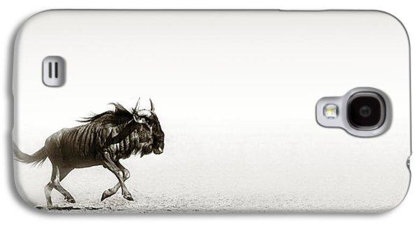 Open Photographs Galaxy S4 Cases - Blue wildebeest in desert Galaxy S4 Case by Johan Swanepoel