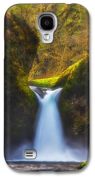 Landscape Acrylic Prints Galaxy S4 Cases - Blueberry Punch Galaxy S4 Case by Darren  White