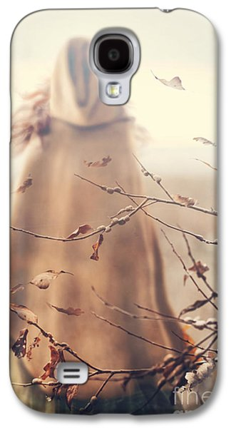 Outside Photographs Galaxy S4 Cases - Blurred image of a woman with cape Galaxy S4 Case by Sandra Cunningham