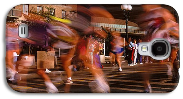 Sports Photographs Galaxy S4 Cases - Blurred Motion Of Marathon Runners Galaxy S4 Case by Panoramic Images