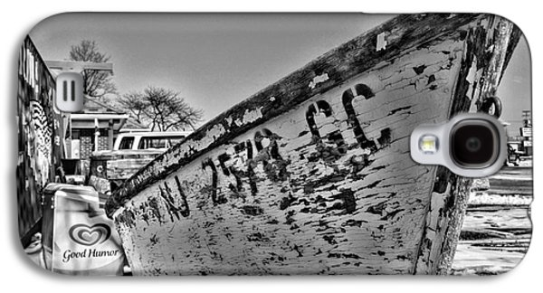 Boats At Dock Galaxy S4 Cases - Boat - State of Decay in Black and White Galaxy S4 Case by Paul Ward